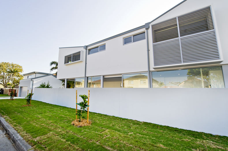 Domus homes architect designed ultra modern semi home for Domus building cleaning
